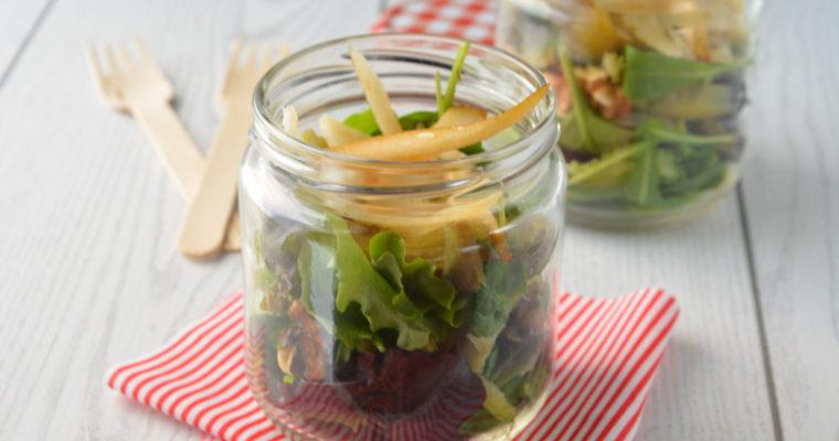 Insalata di carciofi, noci e grana: la primavera in barattolo