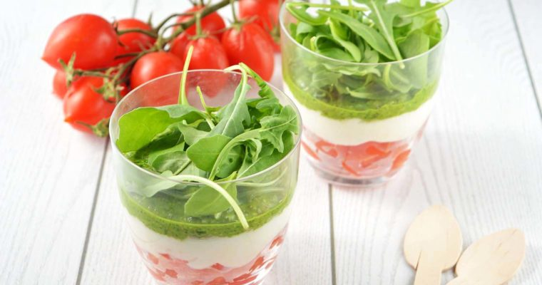 Caprese finger food, tricolore in bicchiere