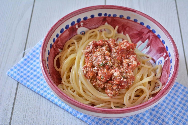 Pasta al Pesto Trapanese (Agghiata Trapanisa)