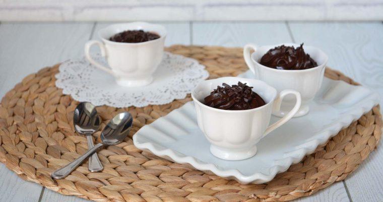 Mousse al cioccolato e avocado, una bontà senza troppi sensi di colpa