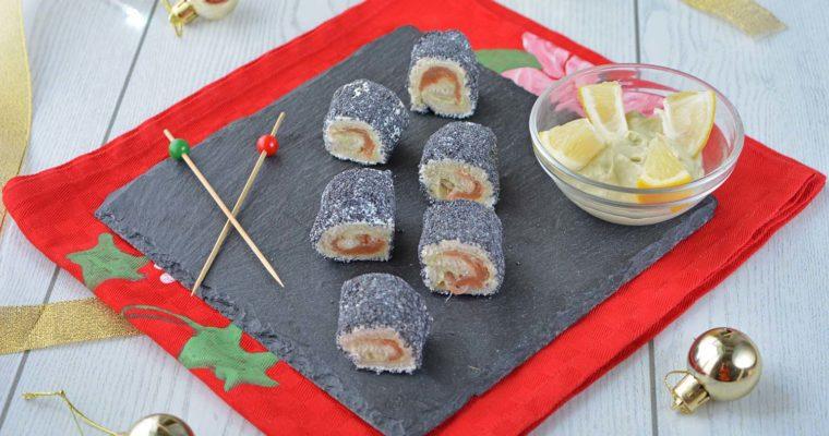 Finto sushi di pancarrè con salmone e crema di avocado