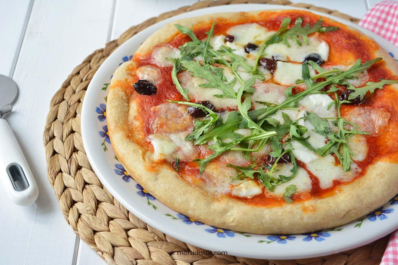 Ricetta Pizza Napoletana Lievito Secco.Pizza Margherita Con Olive Taggiasche A Lunga Lievitazione Morsi Di Stile Storie E Spunti Ni Di Gusto