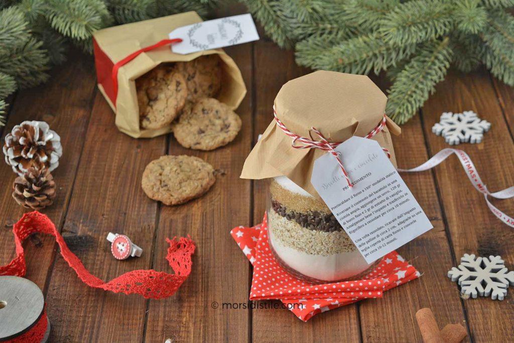 regali in barattolo biscotti di avena e cioccolato