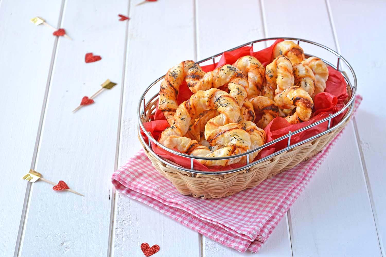 Cuori di sfoglia salati