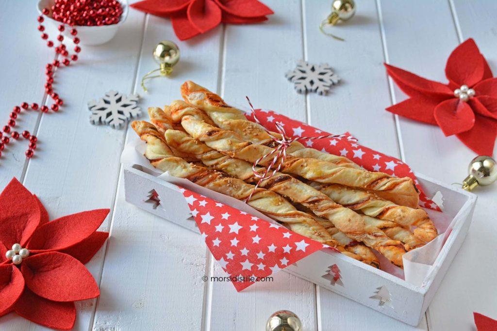 Ricetta Grissini Ripieni Con Pasta Sfoglia.Grissini Di Pasta Sfoglia Al Pomodoro